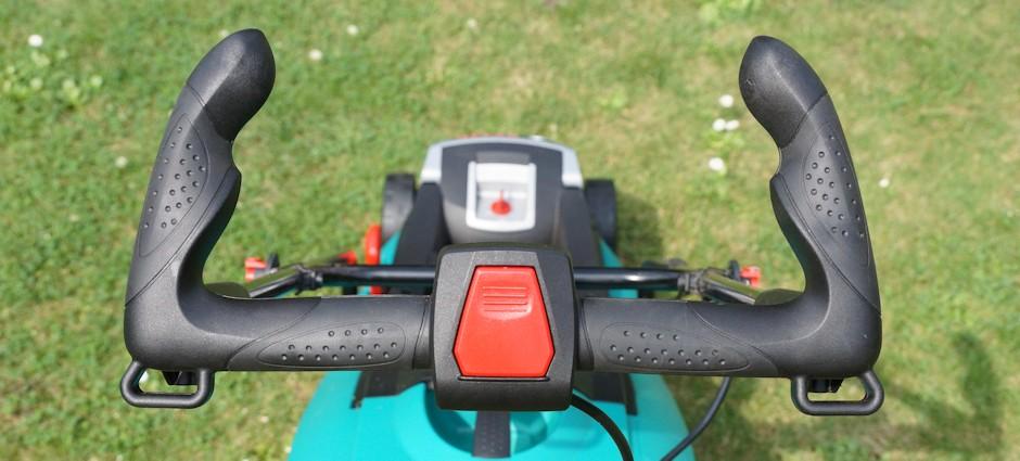 Griff und Stromschalter am Rasenmäher