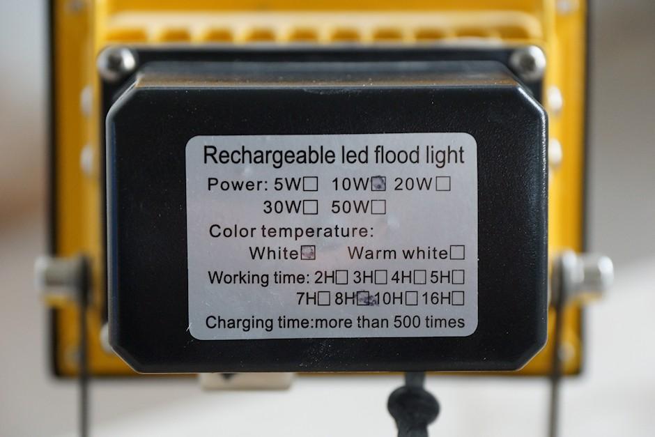 Typenschild und technische Daten zum LED Strahler
