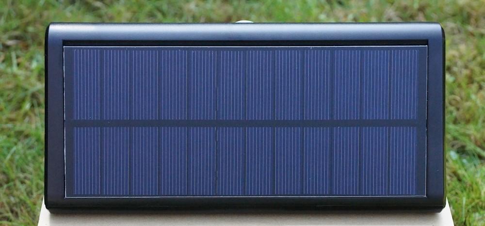 Solarzelle an Gartenlampe von Abrillo
