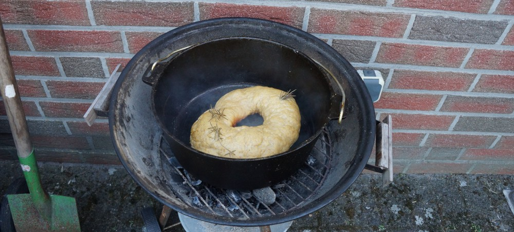 Brot im Dutch Oven gebacken