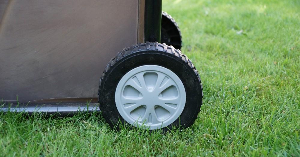 Reifen am Gartenhäcksler