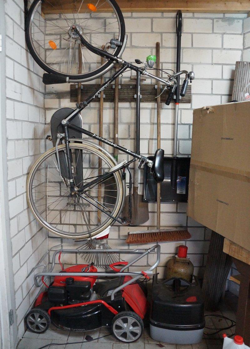 garage mit ordnungssystem
